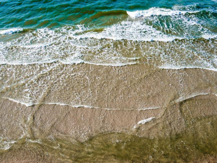 Morze Bałtyckie - plaża Karwia z drona