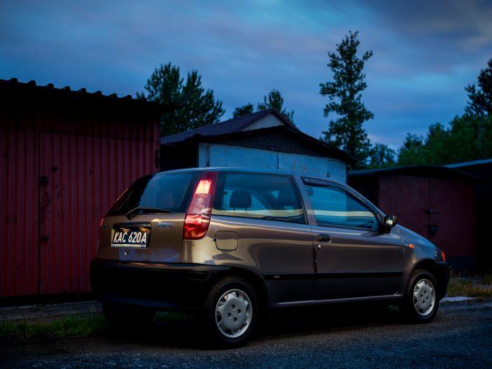 Fiat Punto sesja nocą | Grzegorz Kozłowski fotografia motoryzacyjna Gliwice, Śląsk